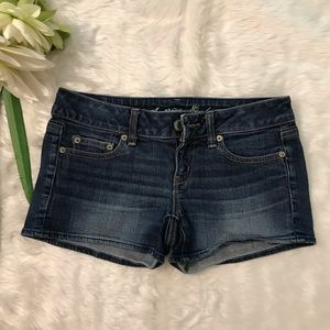 American Eagle outfitters Low-Rise Shorts Size 4